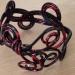 Bracelet alu noir taché rouge